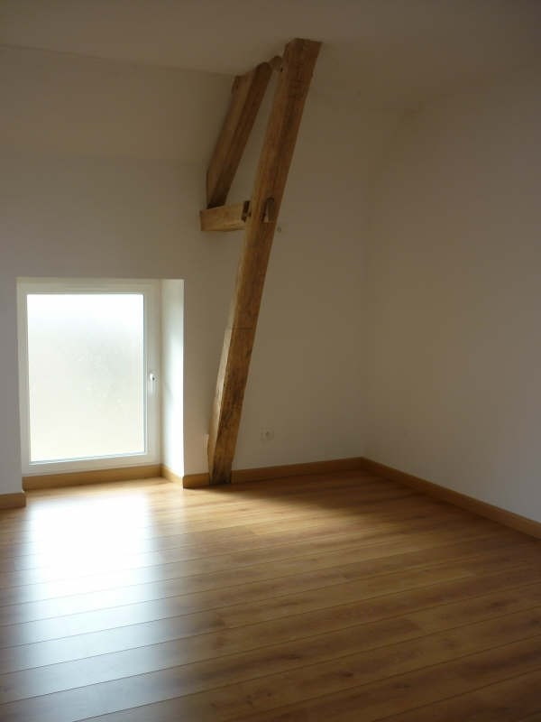 Location maison / villa St jouin de blavou 576€ CC - Photo 2