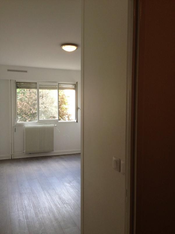 Location appartement Montreuil 910€ CC - Photo 6