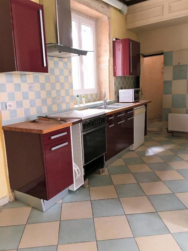 Location maison / villa Vourles 1170€ CC - Photo 2
