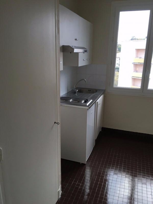 Location appartement Aubenas 395€ CC - Photo 10