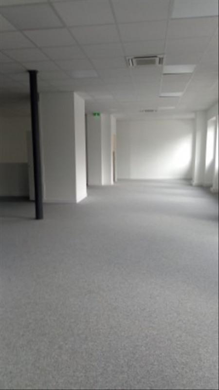Rental empty room/storage Paris 18ème 3750€ HT/HC - Picture 4