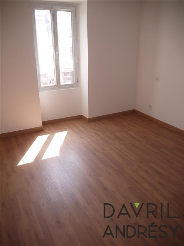Location maison / villa Andresy 1 100€ CC - Photo 5