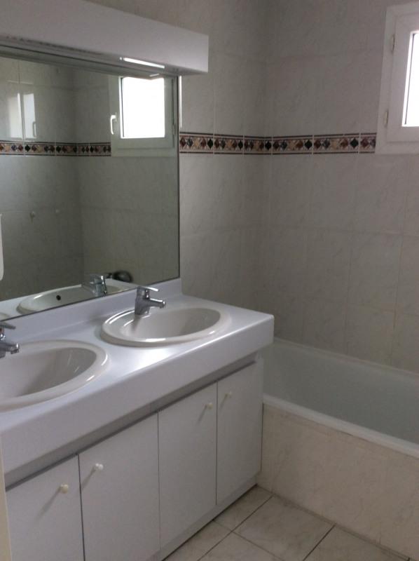 Location appartement Fréjus 945€ CC - Photo 9
