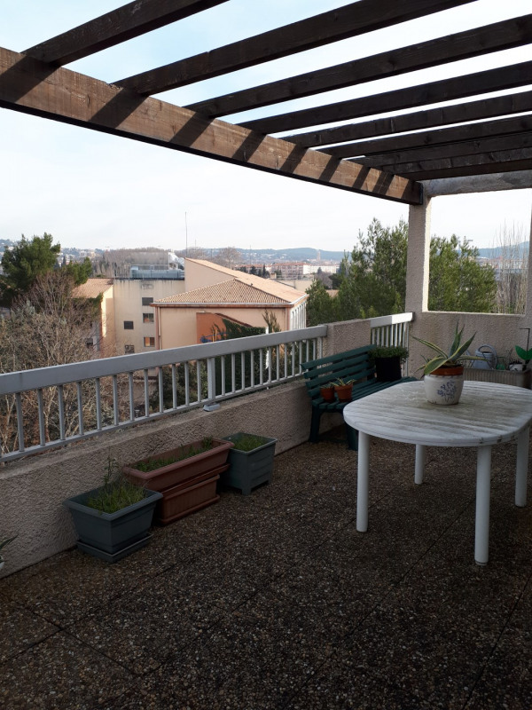 Sale apartment Aix-en-provence 400 000€ - Picture 2