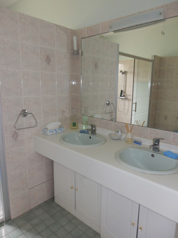 Sale house / villa Montreuil juigne 414500€ - Picture 13
