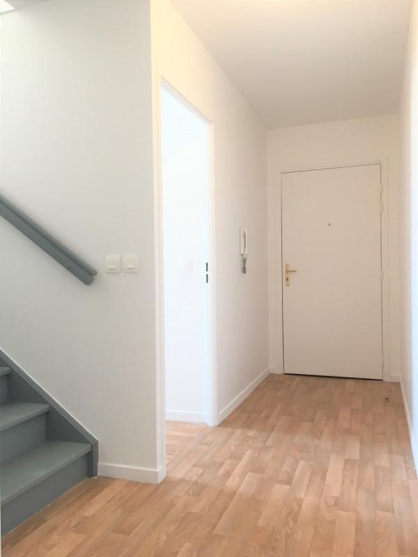 Rental apartment Cergy 1217€ CC - Picture 2