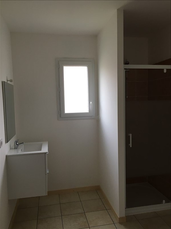 Location maison / villa Liguge 700€ CC - Photo 4