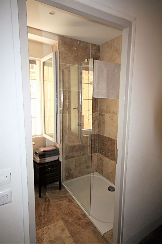 Rental apartment Antibes 750€ CC - Picture 6