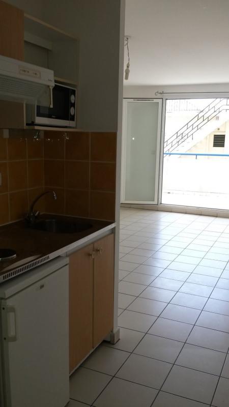 Location appartement St denis 442€ CC - Photo 3