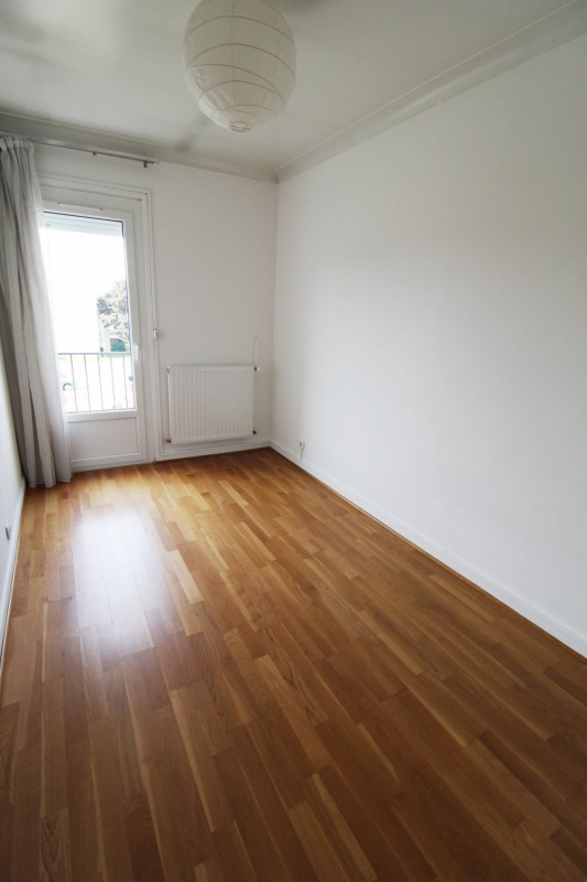 Location maison / villa Maurepas 1 360€ CC - Photo 7