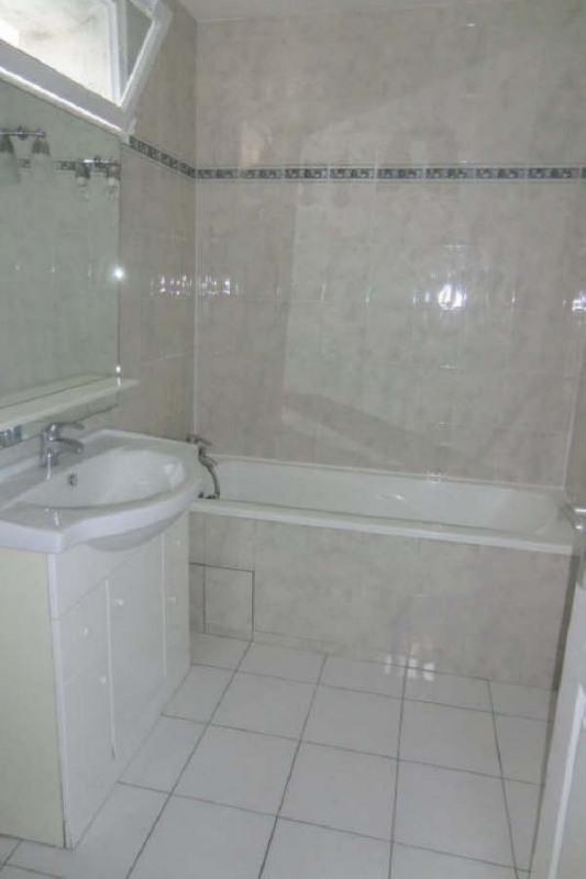 Location appartement Pierrelaye 680€ CC - Photo 2