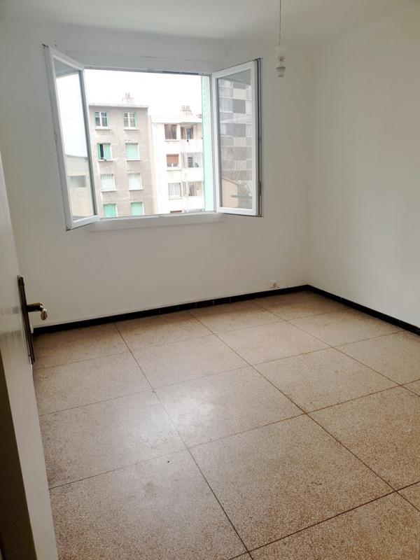 Location appartement Marseille 14ème 597€ CC - Photo 3
