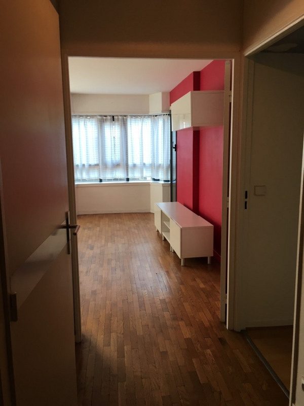 Rental apartment Paris 10ème 1350€ CC - Picture 3