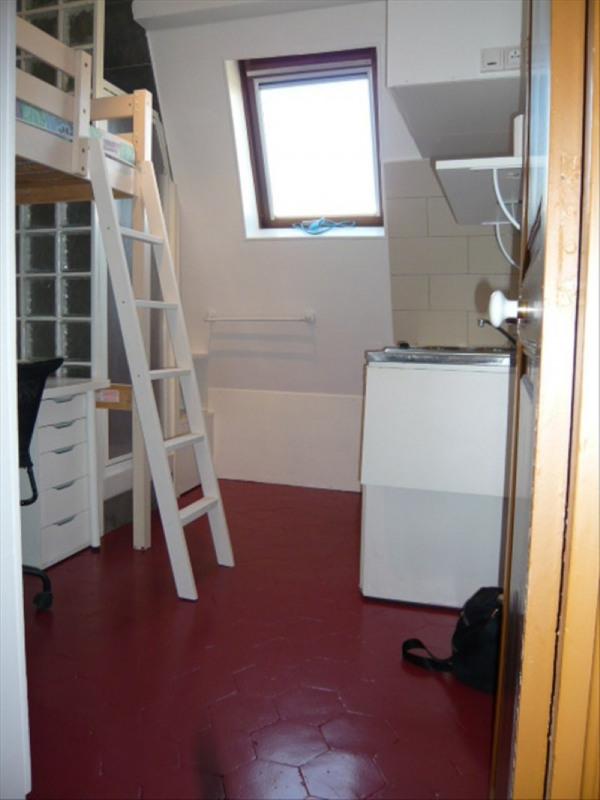 Rental apartment Paris 17ème 400€ CC - Picture 1