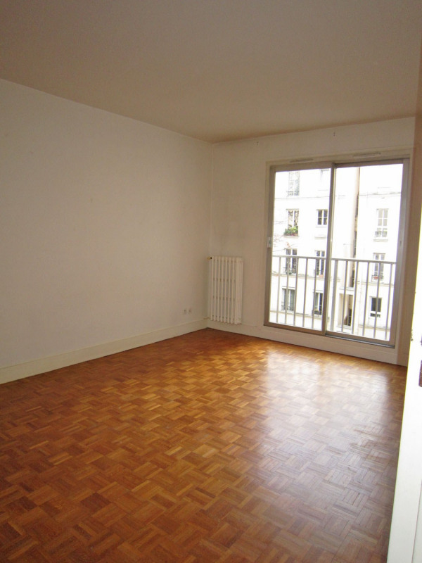 Location appartement Paris 12ème 1 115€ CC - Photo 2