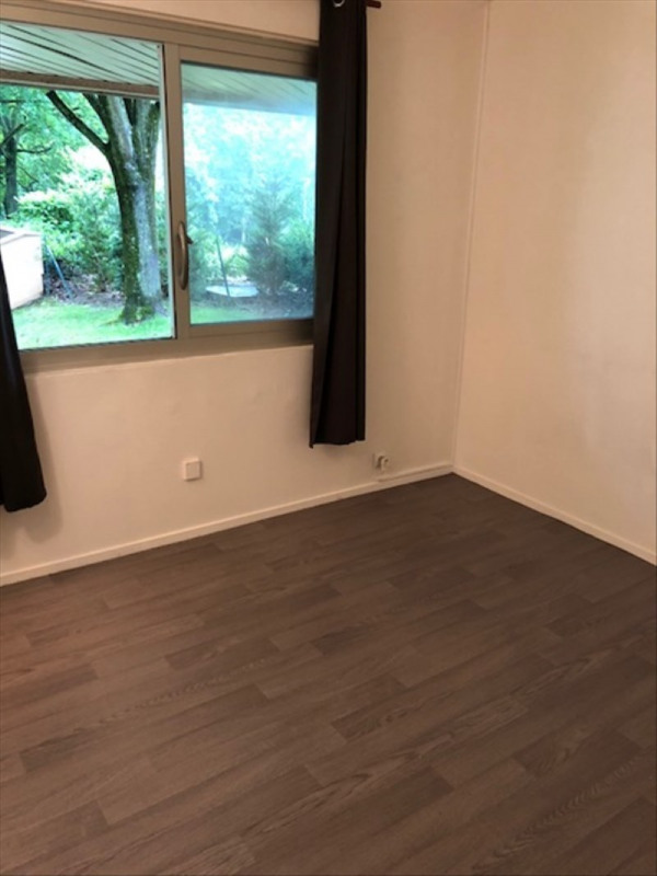 Rental apartment Verrieres le buisson 520€ CC - Picture 1