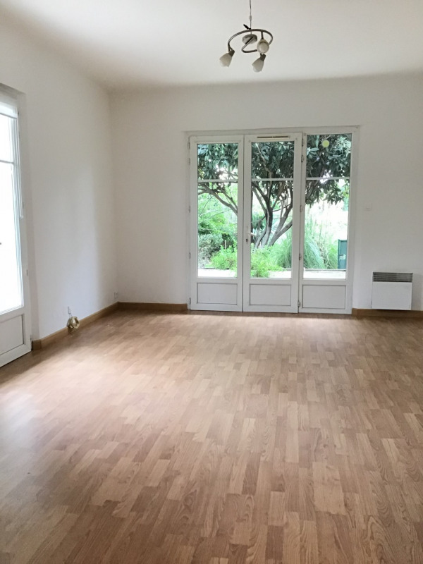 Rental apartment Fréjus 1000€ CC - Picture 1
