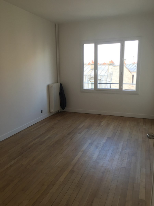Location appartement Asnieres sur seine 1 460€ CC - Photo 2