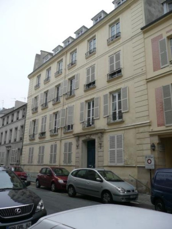 Location appartement Versailles 1 792€ CC - Photo 1