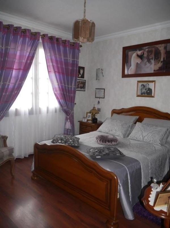Sale house / villa St hilaire la foret 442000€ - Picture 9