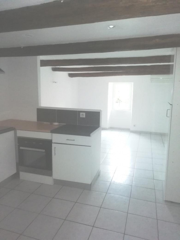 Location maison / villa Caumont sur durance 580€ CC - Photo 2