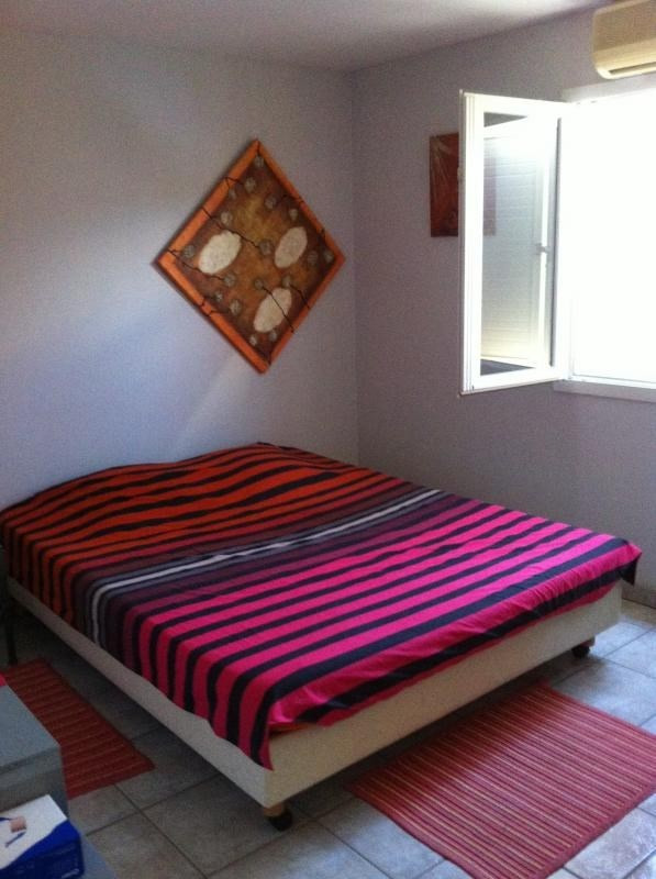 Sale apartment St gilles les bains 290000€ - Picture 2