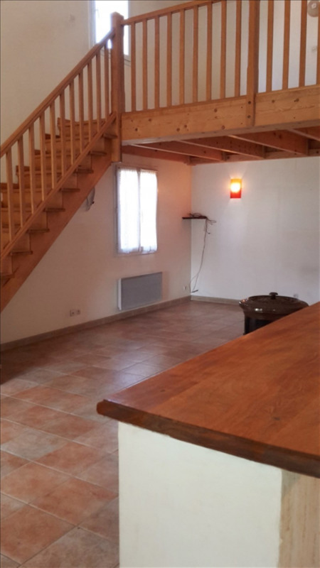 Location maison / villa Salon de provence 1215€ CC - Photo 5