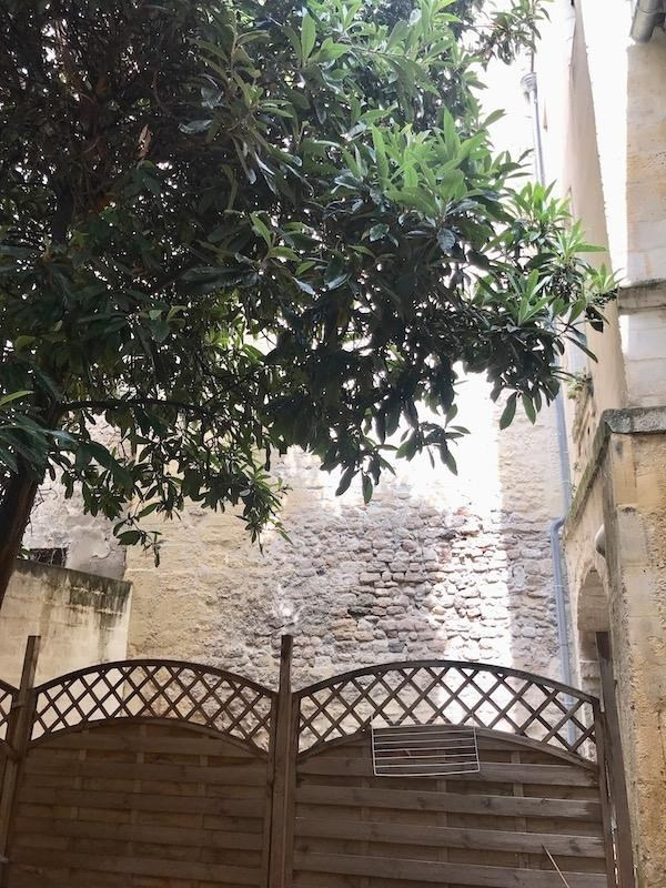 Sale apartment Arles 180000€ - Picture 1