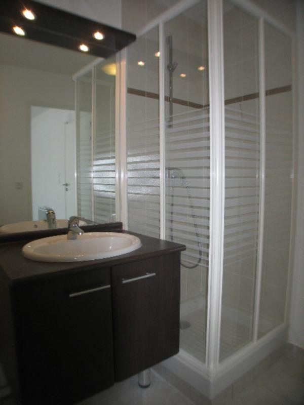 Location appartement Cranves-sales 557€ CC - Photo 4