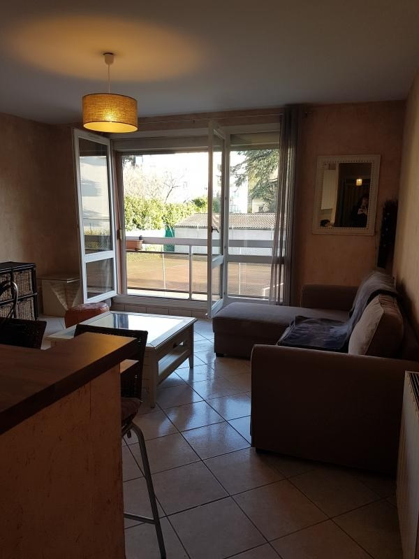Alquiler  apartamento Tassin la demi lune 780€ CC - Fotografía 6