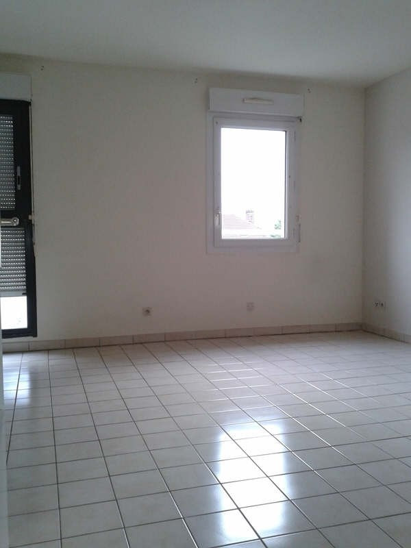 Rental apartment Compiegne 855€ CC - Picture 2