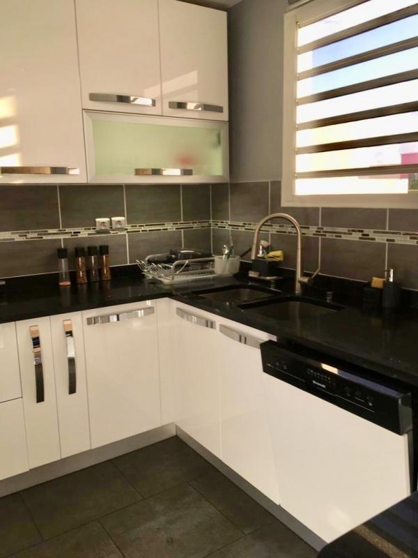 Sale apartment St denis 478400€ - Picture 8
