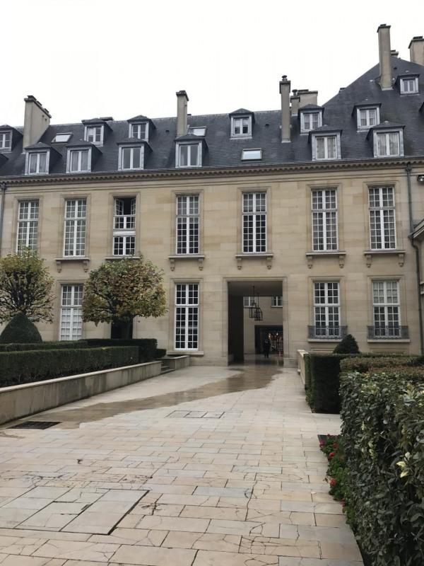 Location appartement Paris 3ème 2731,70€ CC - Photo 2