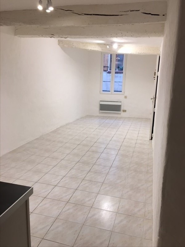 Rental apartment St maximin la ste baume 450€ CC - Picture 2