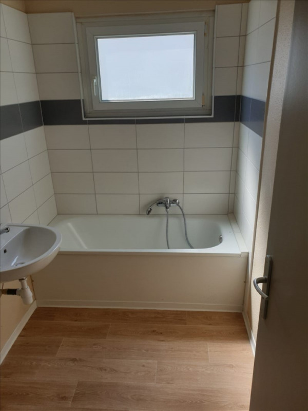 Rental apartment Lauterbourg 593€ CC - Picture 4