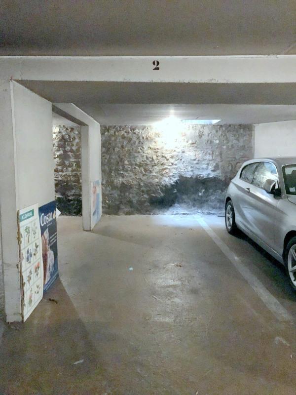 Location parking Paris 15ème 120€ CC - Photo 1