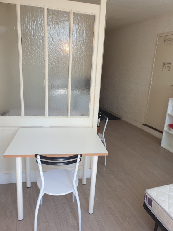 Rental apartment Cognac 299€ CC - Picture 7