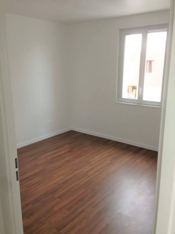 Location appartement Franconville 968€ CC - Photo 9