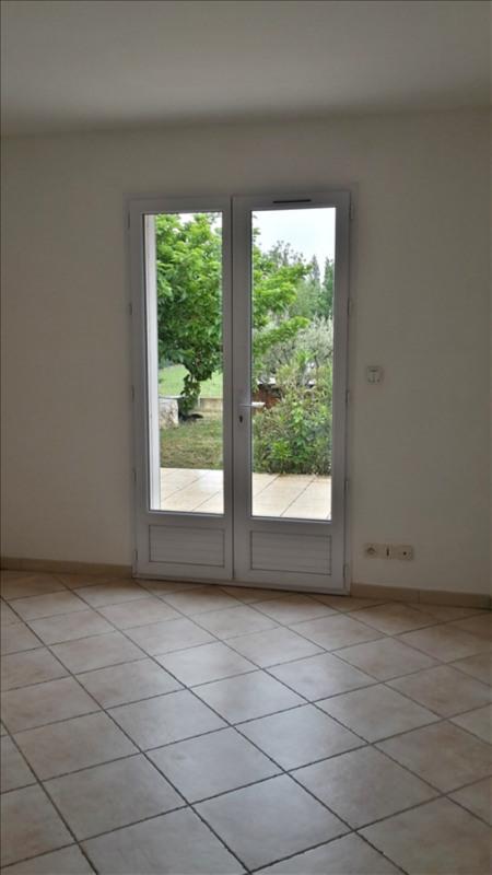 Location maison / villa Eyguieres 1130€ CC - Photo 4