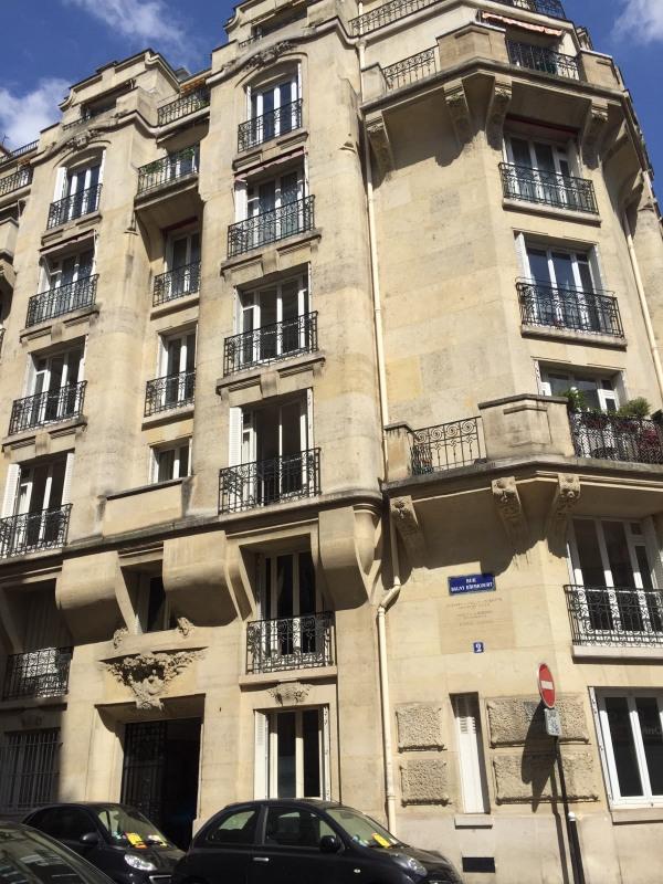 Rental apartment Paris 17ème 3300€ CC - Picture 1