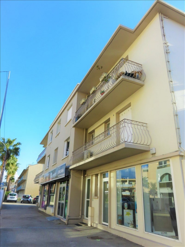 Sale apartment Sanary sur mer 245000€ - Picture 1