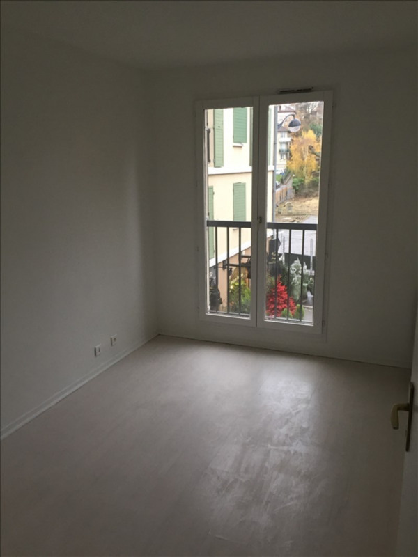 Rental apartment Garches 1 034€ CC - Picture 4