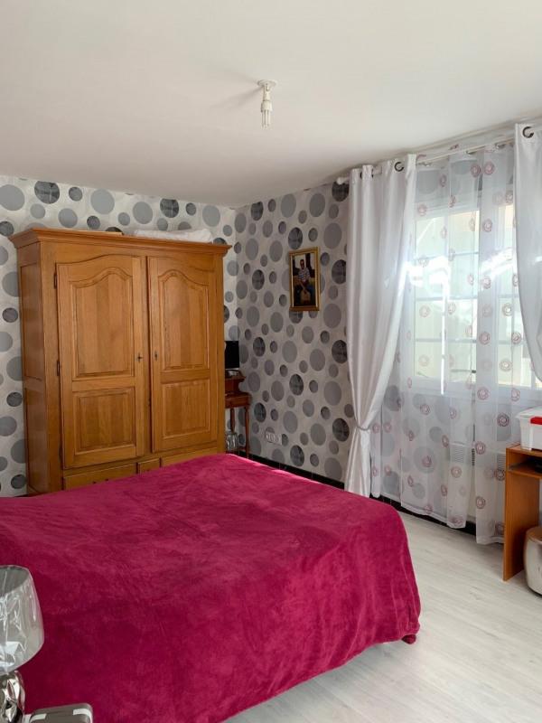 Sale house / villa Revel 230000€ - Picture 4