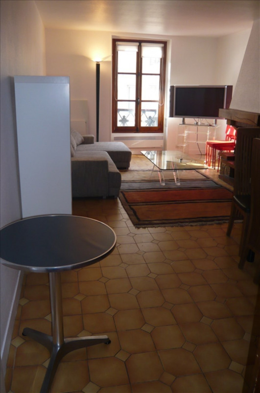Rental apartment Paris 1er 1900€ CC - Picture 1
