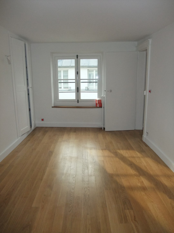 Location appartement Paris 8ème 2 300€ CC - Photo 6