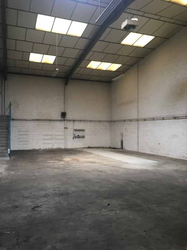 Location local commercial Chassieu 1 100€ HC - Photo 3