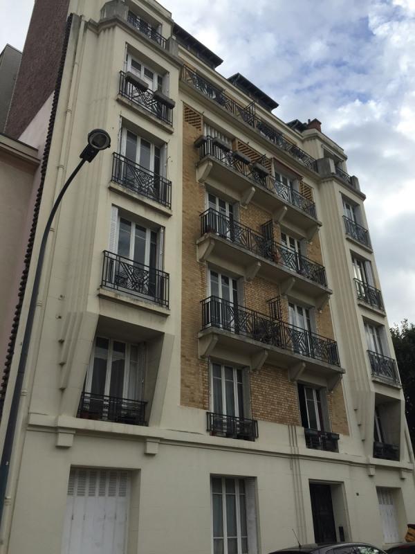 Rental apartment Asnieres sur seine 340€ CC - Picture 1