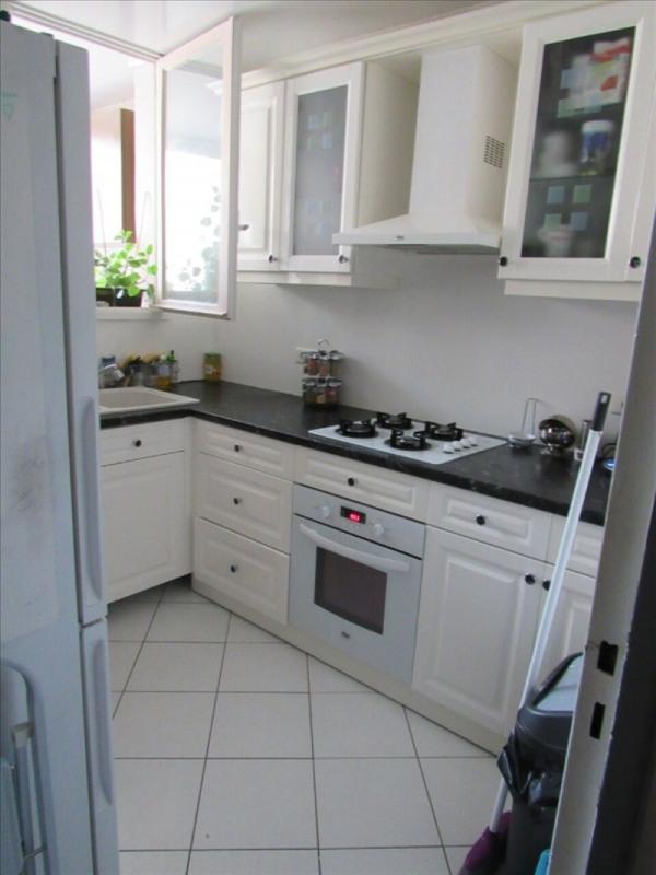 Rental apartment Bois d arcy 986€ CC - Picture 2