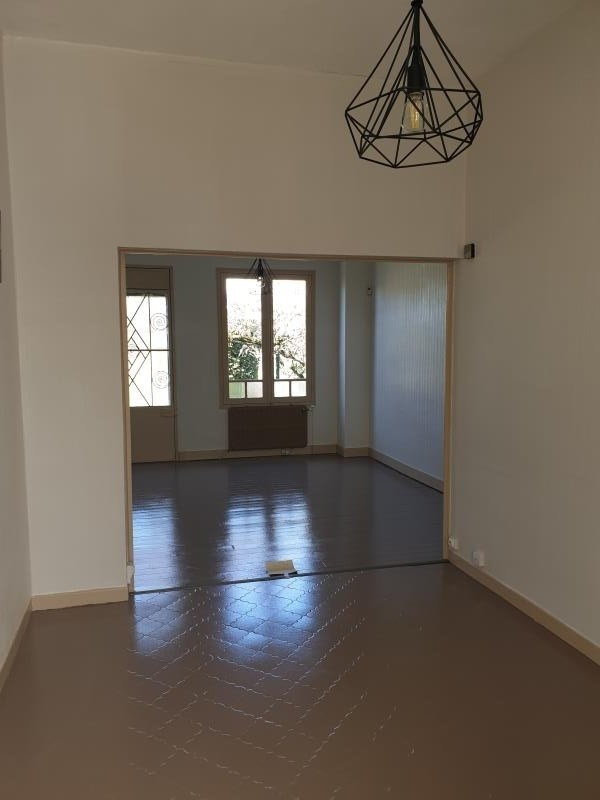 Location maison / villa Begles 1 100€ CC - Photo 4