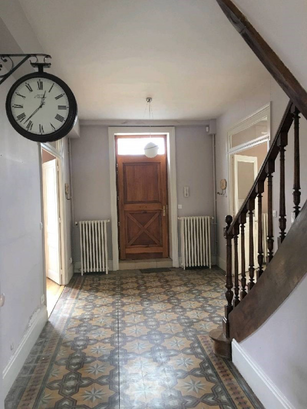 Location maison / villa Charly 1 890€ CC - Photo 2
